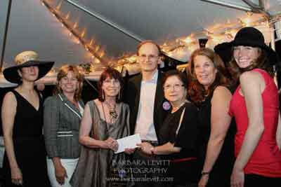Gala Sponsor M&T Bank: Arlene Rodgers, Alicia Brokway, Rivertown Board Chair Natasha Rabin and Executive Director Matthew Seig, Jo Lore, Marjorie Lang, Andrea Wagonseller